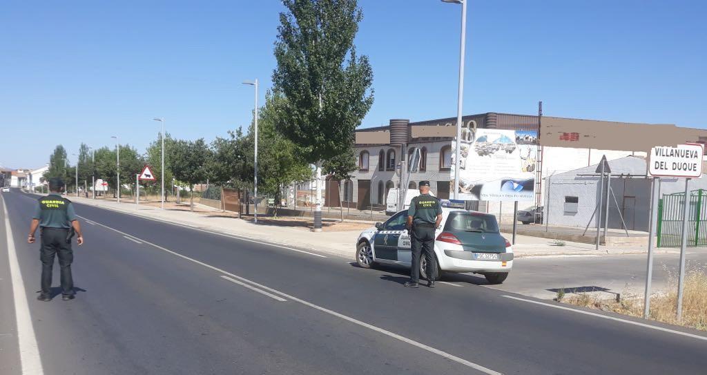 Coronavirus en Córdoba: la Guardia Civil denuncia a ocho jóvenes por hacer botellón en un corral en Villaralto