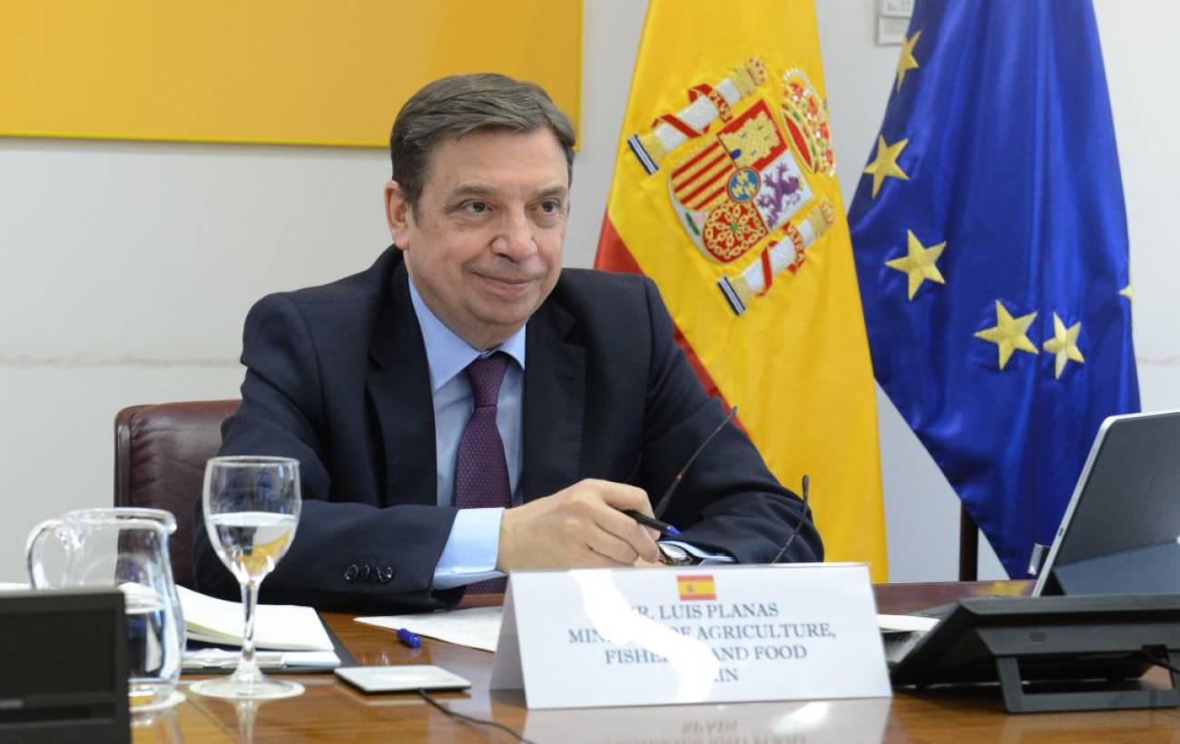 Luis Planas aborda en Córdoba el futuro del sector agrario como clave para la recuperación tras la pandemia