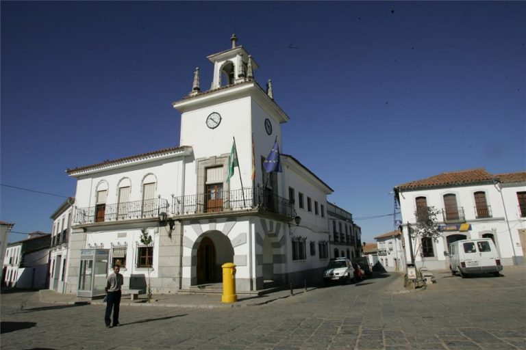 CCOO denuncia «la política laboral del miedo» del Ayuntamiento de Villanueva del Duque