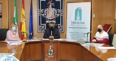 El Ayuntamiento de Hinojosa del Duque presenta la Semana del Outlet, los actos del 8-M y un taller de escultura en árboles secos
