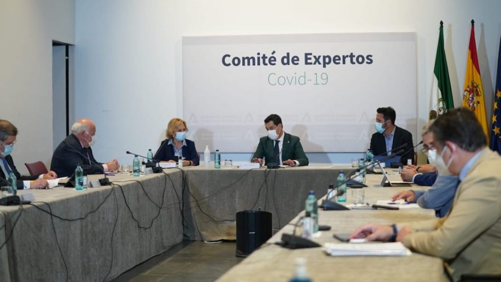 Fin del toque de queda y bares hasta las 12, las nuevas medidas en Andalucía por el Covid tras el estado de alarma