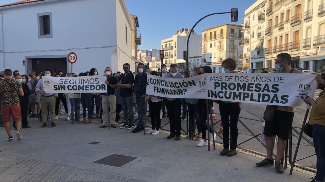 Pozoblanco | Los padres del colegio Manuel Cano protestan para pedir que se construya su comedor